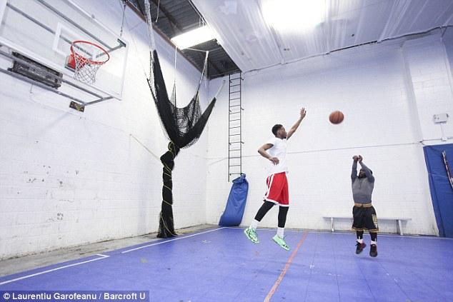 dwarf basketball player