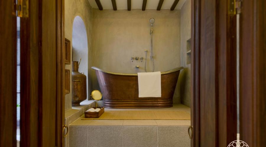 Bathtub-1