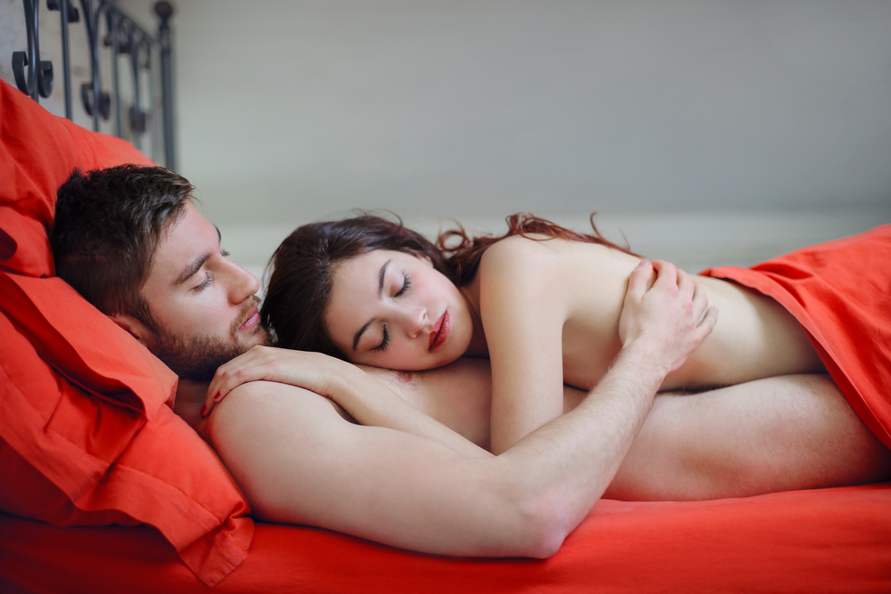6 State-of-the Art Reasons Why Sleeping Nude Is Good