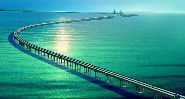 Worlds-longest-sea-bridge