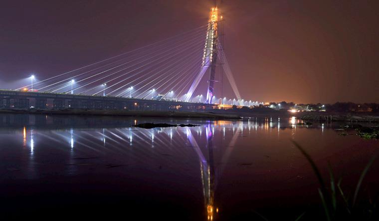 Delhi-bridge.jpg